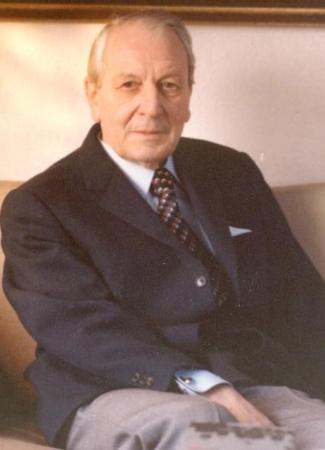 Dr.Maass
